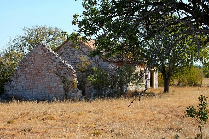 Chorwacja porzucone domy