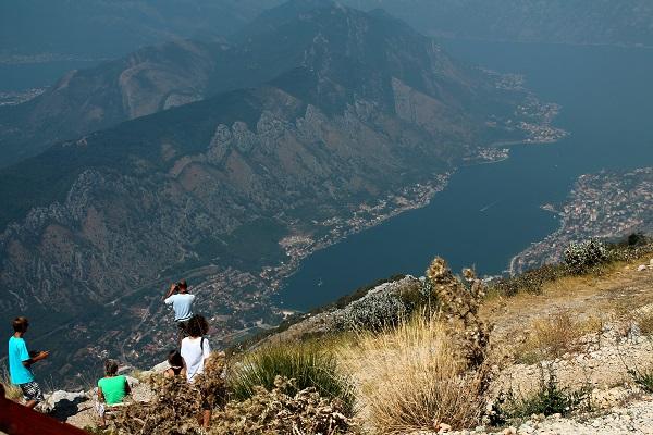 Widok na zatoke kotorską z góry