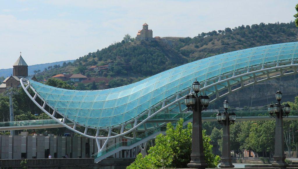 Tbilisi szklany most podpaska