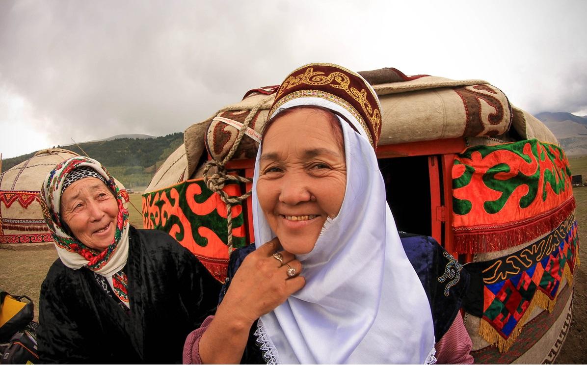 kirgiskie ubrania azja srodkowa