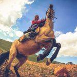 Transport i poruszanie się po Kirgistanie.