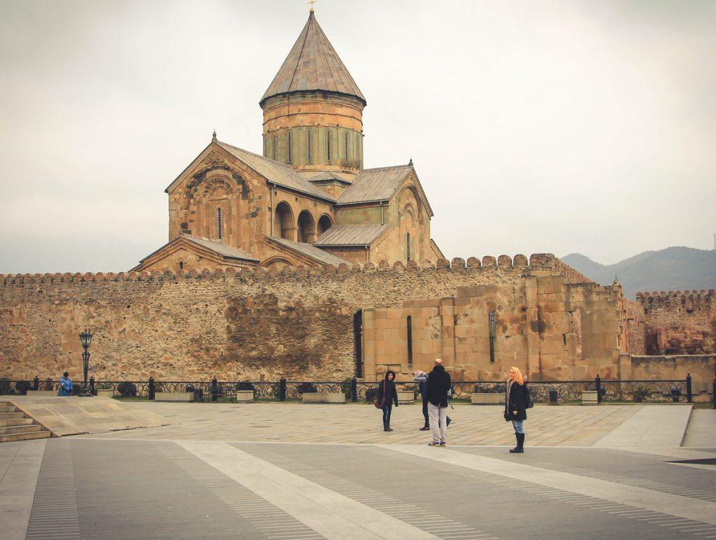 Po drodze podjechaliśmy jeszcze zobaczyć kościół katedralny Sweti Cchoweli.