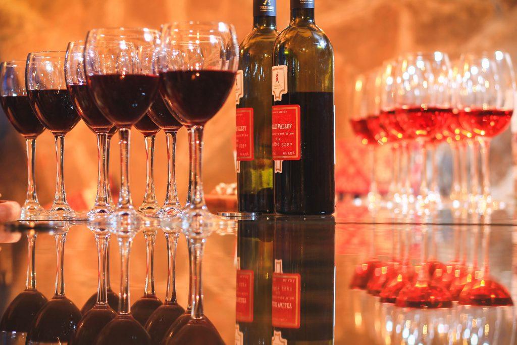 Znalezione obrazy dla zapytania gruzinskie wina piekne zdjecia