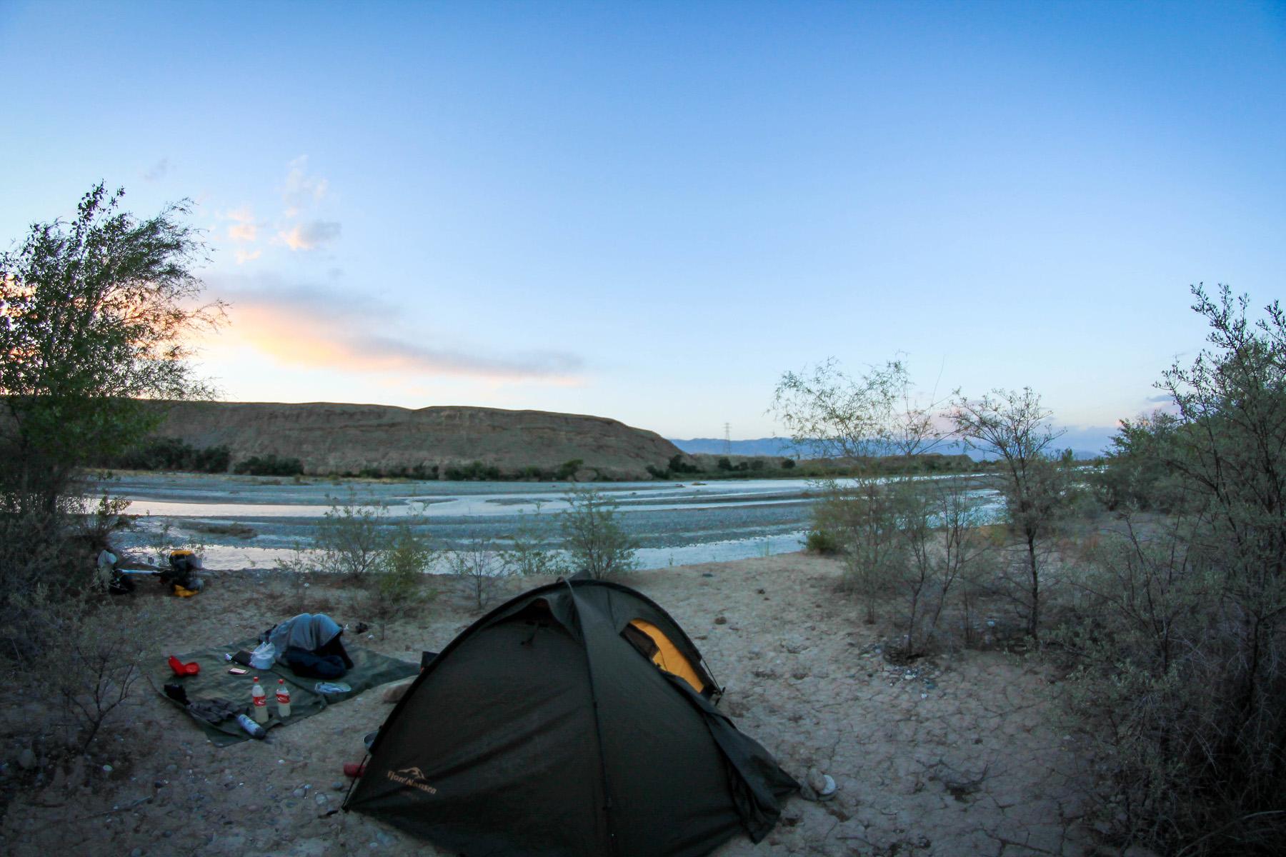 Nad rzeką Naryn