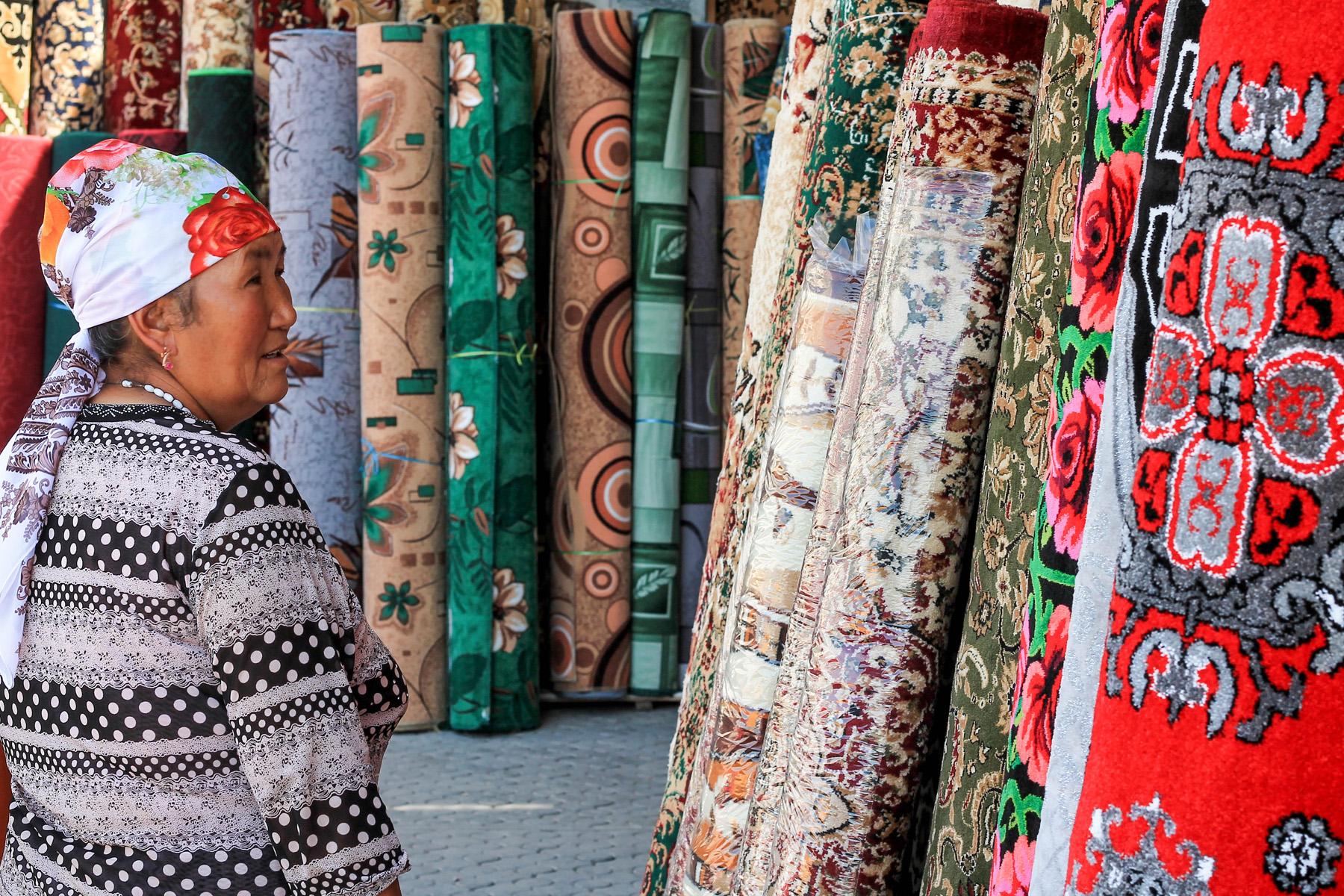 Na bazarze w Dżalalabad