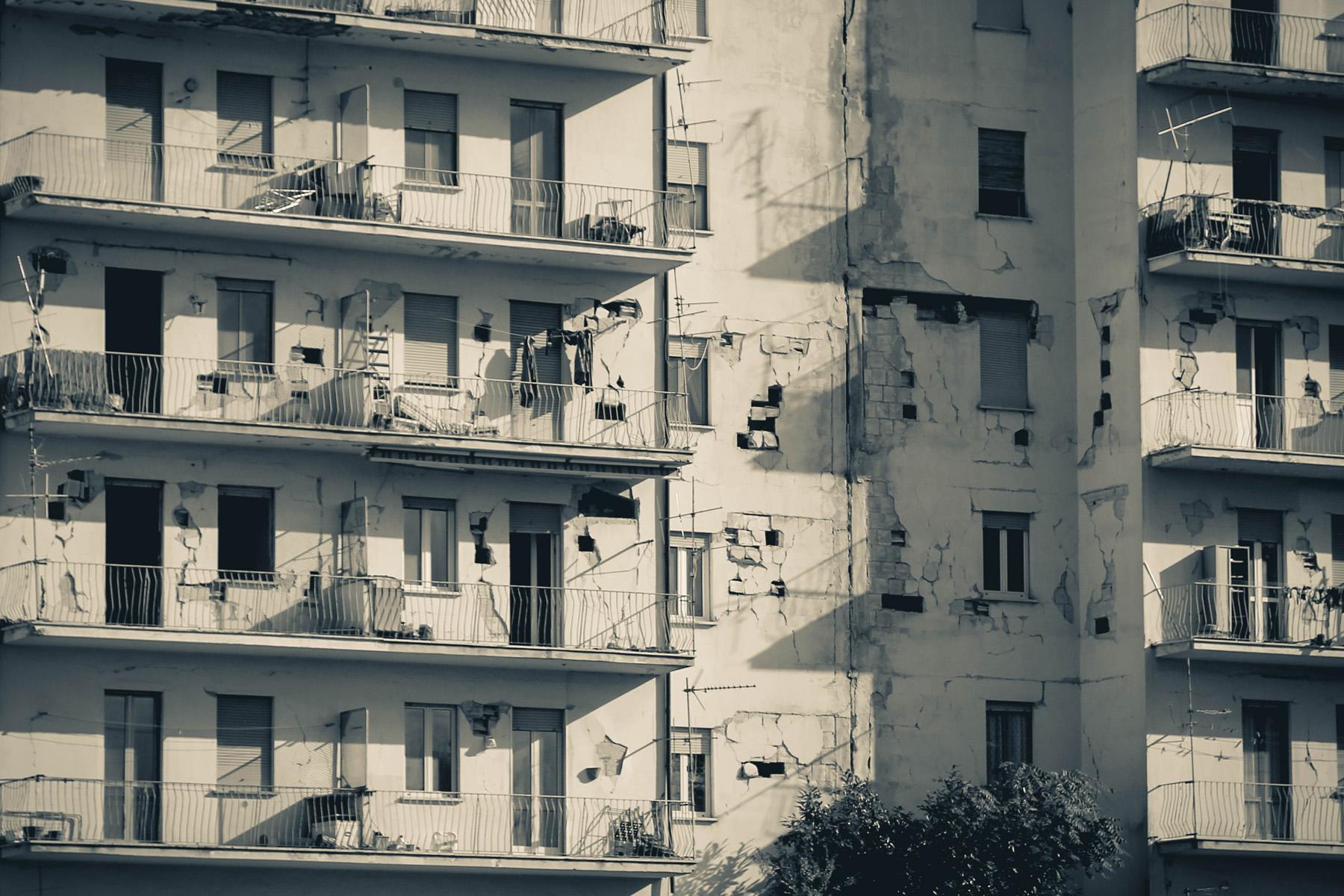 Zdjęcia miasta po trzęsieniu ziemi