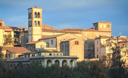 Ciekawe miejsca we włoszech środkowych Reti