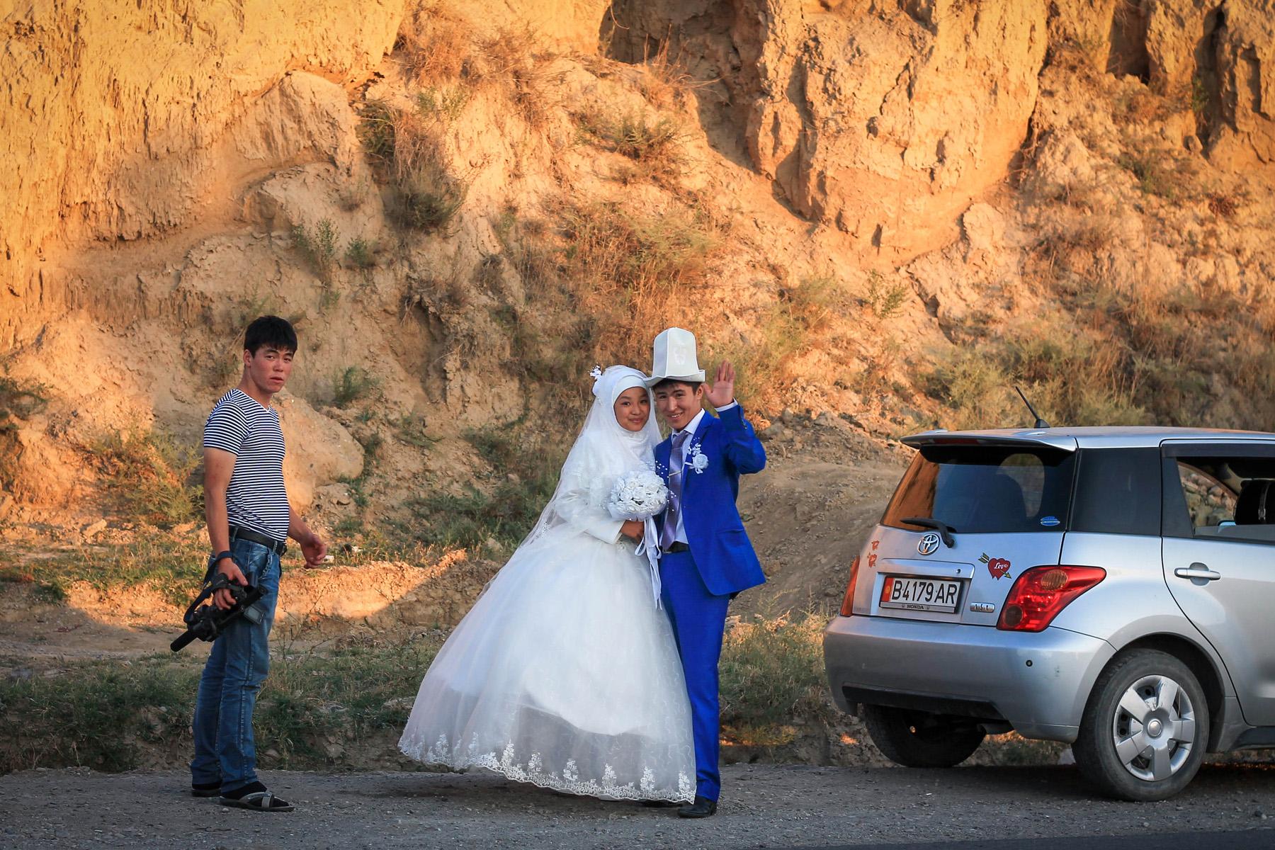 Akurat po drodze trafiliśmy na kirgiskie wesele..