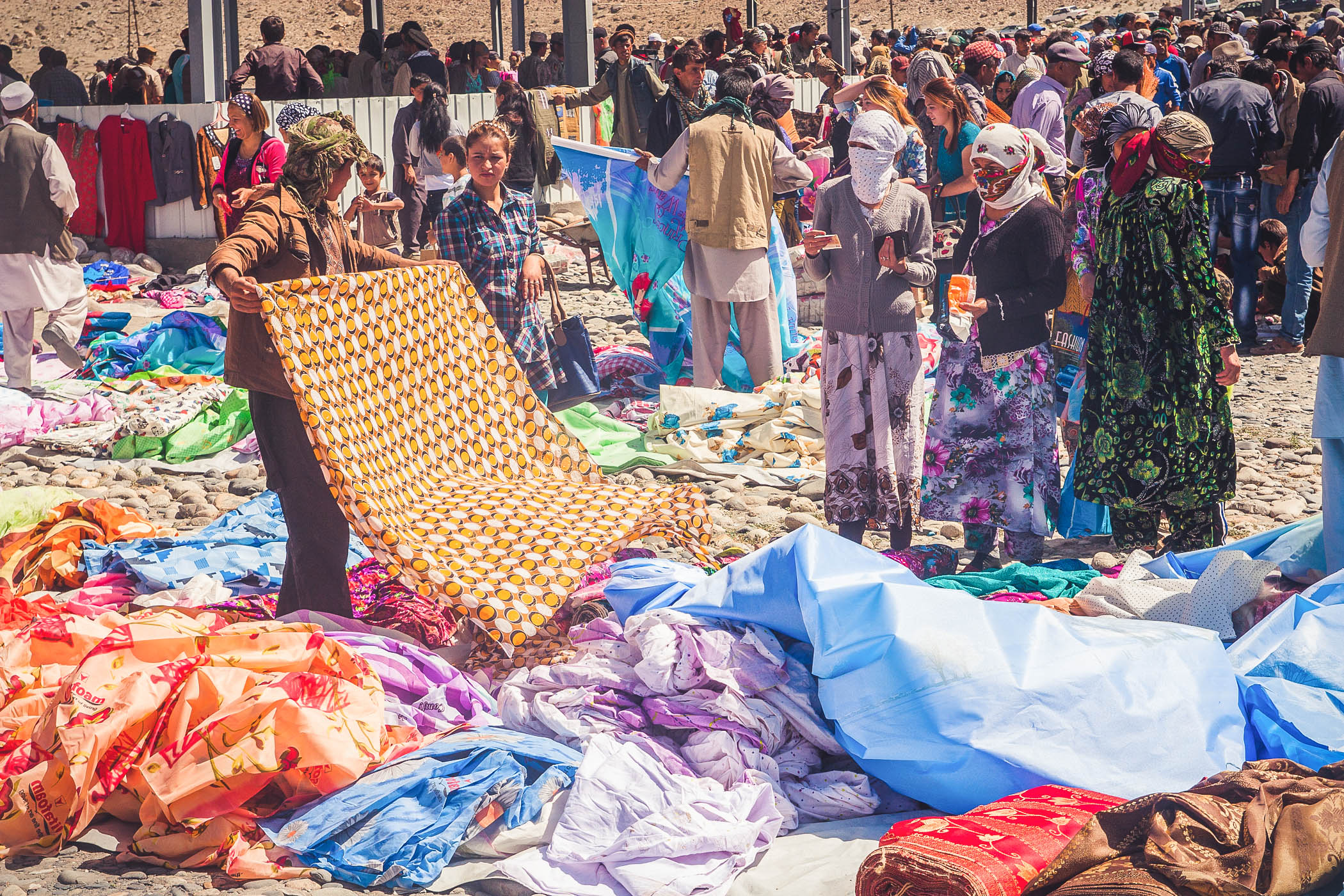 Sobotni targ bazar w wiszkaszim