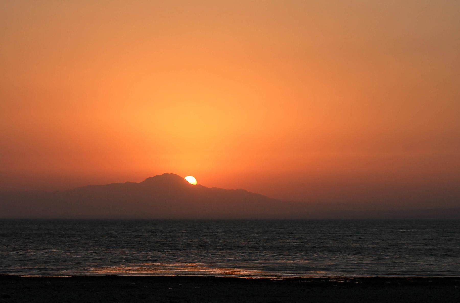 zachód słońca jezioro Kairakkum