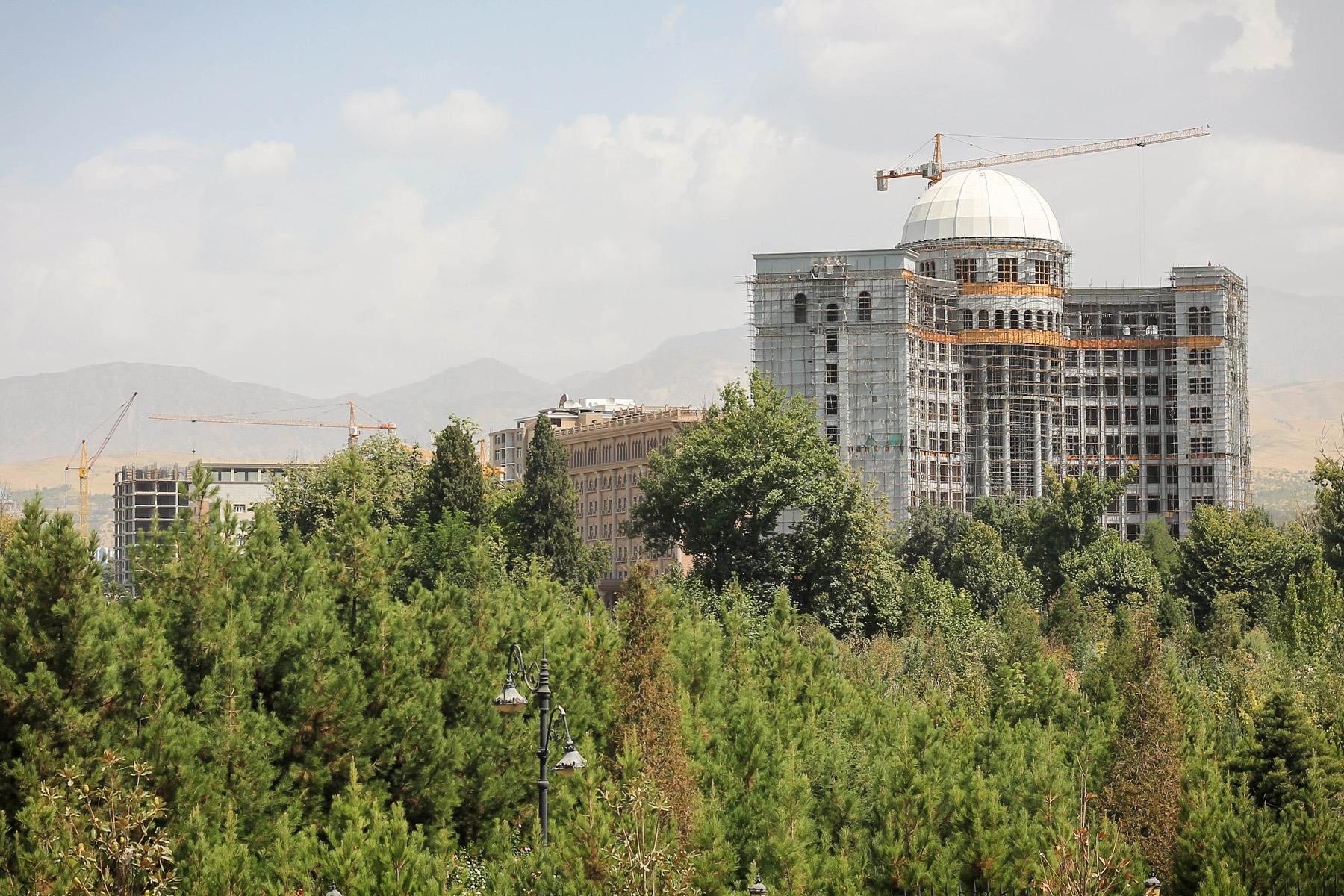 Dużo się buduje w Duszanbe.