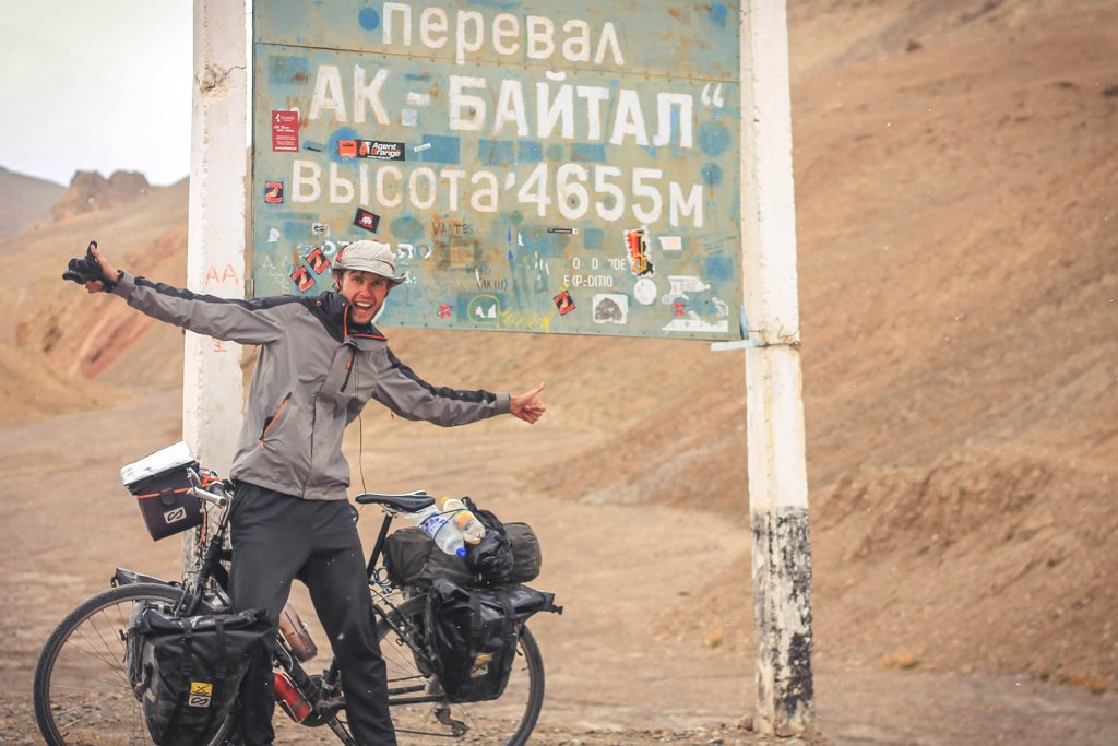 Przełęcz akbaitał rowerem