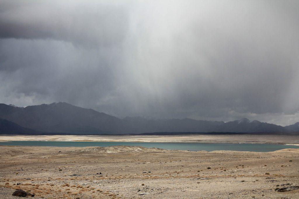 Żeby nie było jednak zbyt kolorowo, ledwo stopił się śnieg, za chwilę przychodzi deszcz.