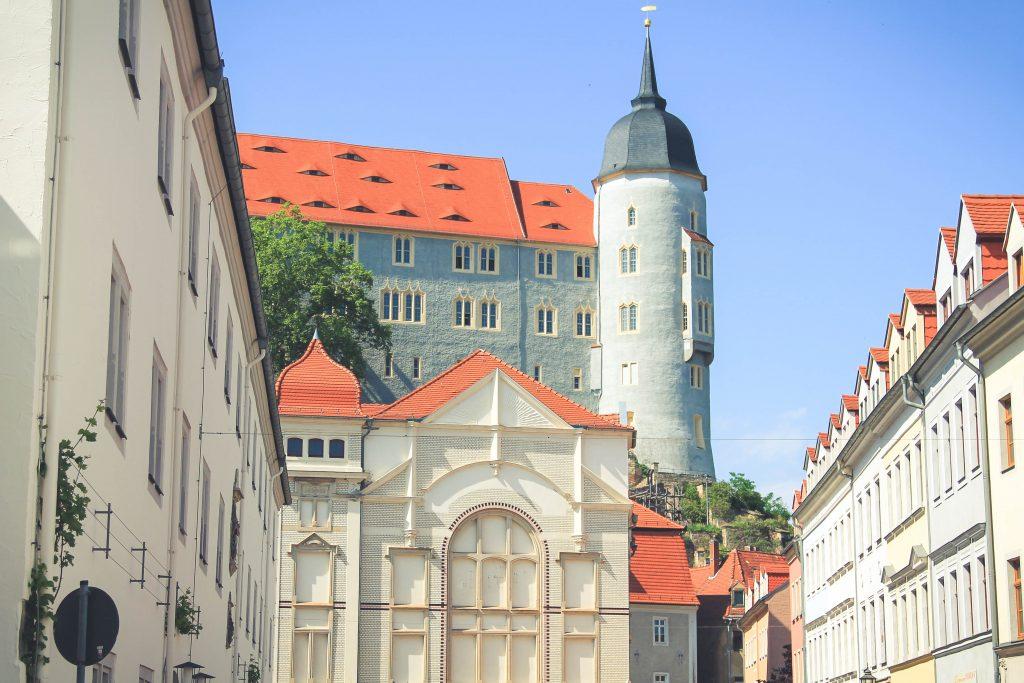 No i widok na zamek górujący nad miastem