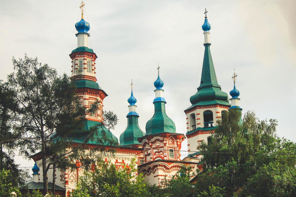 Cerkiew Podniesienia krzyża powstała w 17558 roku - jeden z najpiękniejszych budynków miasta