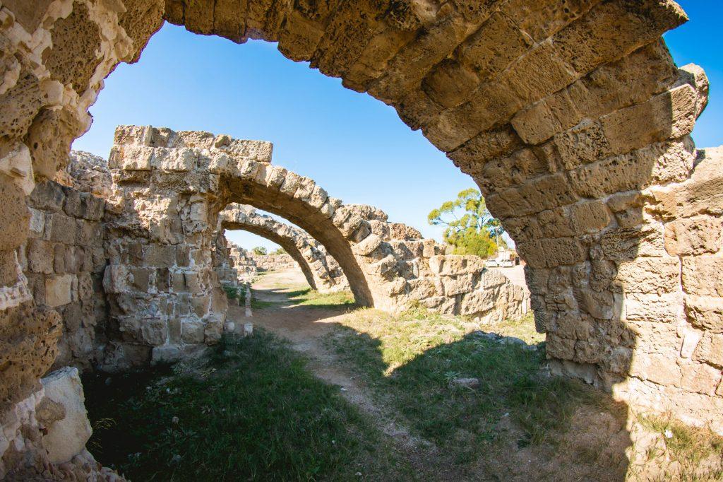 Zwiedzanie cypru salamis