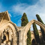 Kirenia i inne piękne miejsca w okolicy. Lekcja smutnej historii Cypru