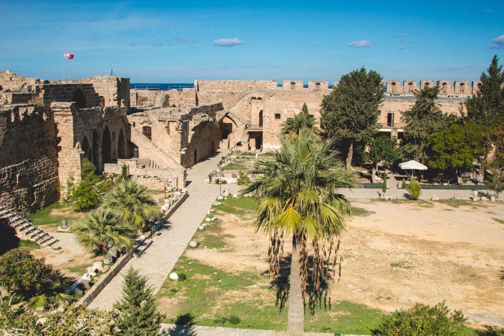 Kirenia zamek