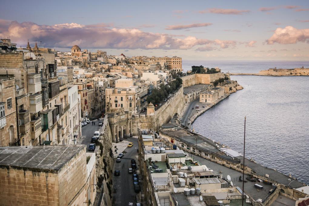 Panorama na Vallettę z górnych ogrodów
