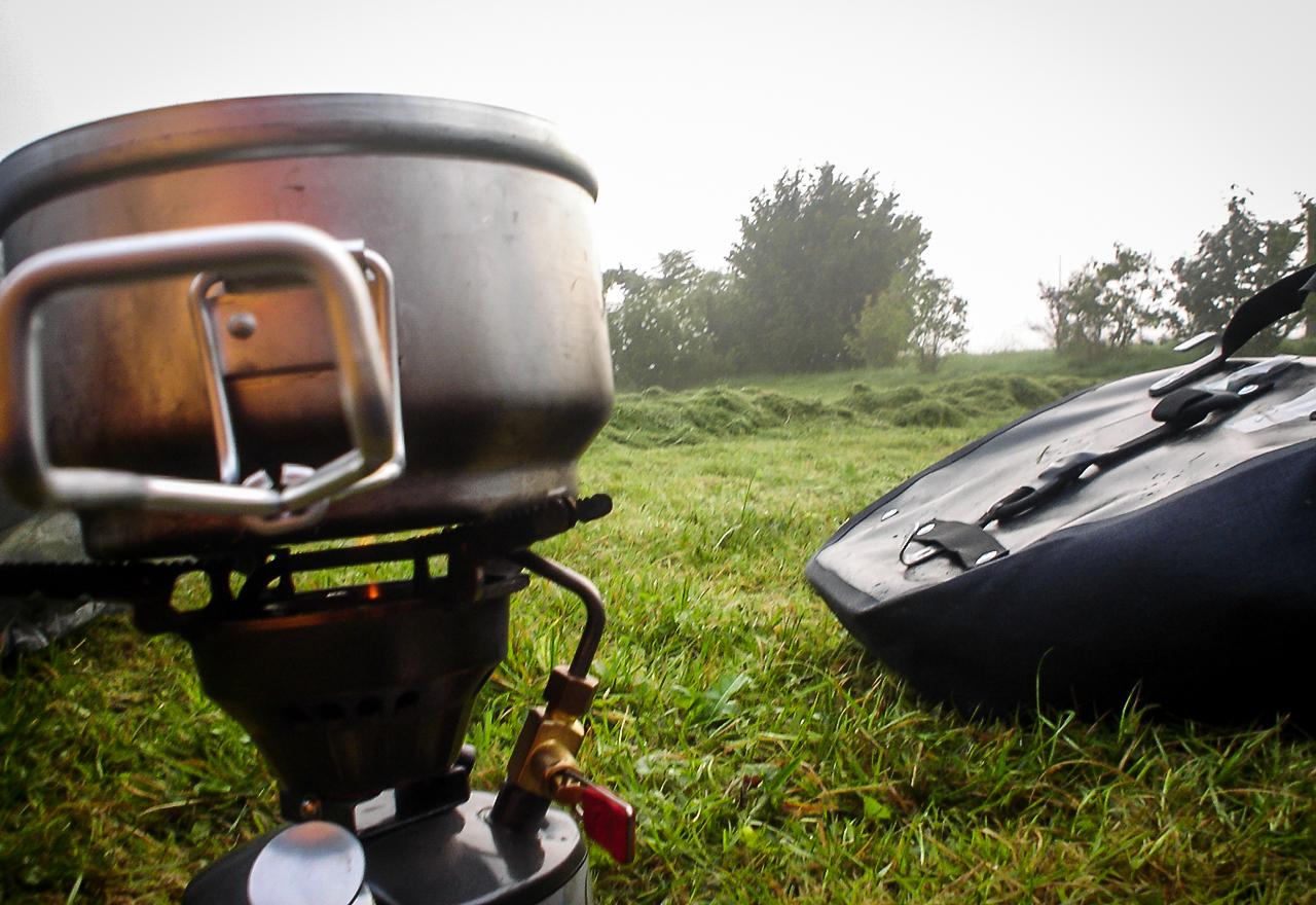 gotowanie w podróży jedzenie pod namiotem porady